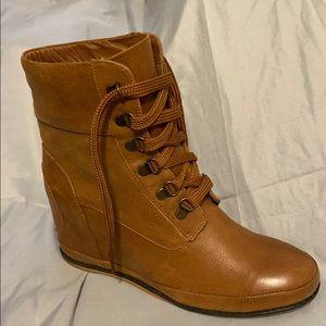 80 % 20 hidden wedge boot Carmel brown